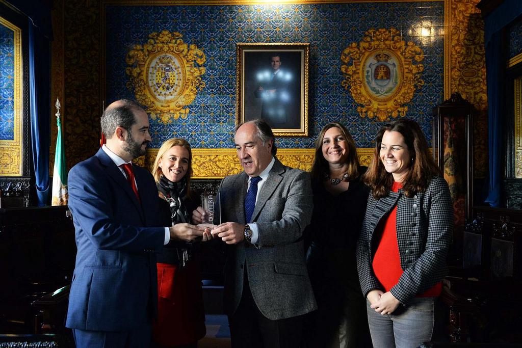 Entrega del Premio al Ayuntamiento de Algeciras