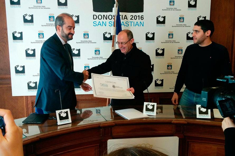 Entrega del Premio al Ayuntamiento de San Sebastián